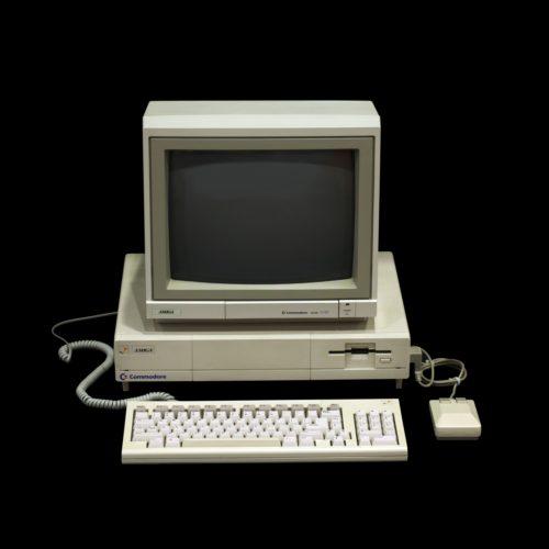 Geschützt: Schätze wie ein Amiga 1000 eignen sich ebenfalls, aber nicht nur, als Museumsstücke, wie hier im Musée Bolo der EPFL in Lausanne. Rama, Amiga A1000 IMG 4275, CC BY-SA 2.0